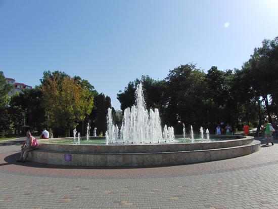 Анапа фонтан у ККЗ Победа
