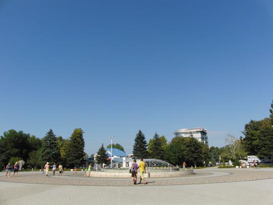 Анапа фонтан у здания администрации