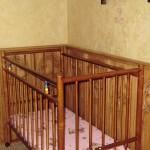 Гостиница «Бретань» в Сукко: детская кроватка