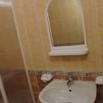 Гостевой дом «На Пионерском»: сан.узел в 3-х местном 1-комнатном полулюксе